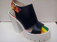 Босоножки Valentino на каблуке и платформе кожа (цвет - черный)