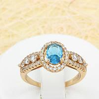 002-1427 - Элегантный позолоченный перстень с ярко-голубым и прозрачными фианитами, 16 р.