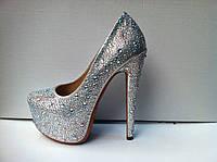 Женские туфли Лабутен стразы серебро и золото