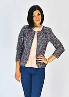 Современный пиджак модного фасона