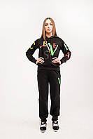 Недорогой спортивный костюм женский черный Цветные буквы