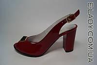 Босоножки лаковые красные натуральная кожа на устойчивом каблуке
