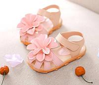 Великолепные сандалики для девочки на лето