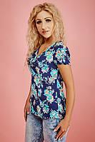 """Женская летняя блузка """"Виктория"""" (цветы на т.синем фоне)"""