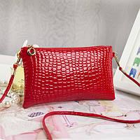 Женский клатч кошелек красного цвета