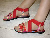 Б654 - Босоножки женские красные цветы ткань