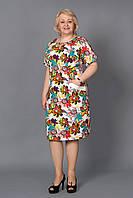 Легкое летнее платье из льна с красочной цветочной расцветкой вырез-капелька