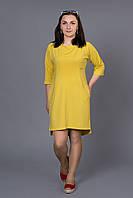 Удобное повседневное платье спортивного стиля в желтом цвете