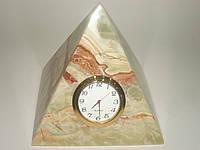 "Пирамида с часами из камня ""Оникс"""