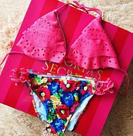Женский очень стильный купальник с цветными трусиками