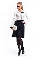 Женская блуза цвета экри с длинным рукавом, украшена бантом. Модель Lolita Zaps.