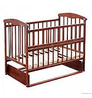 Кроватка детская с маятником и бортиком
