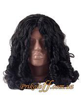 Черный парик с вьющимися локонами