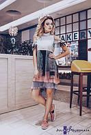 Женское многослойное платье из плиссированного шифона с принтом. Украшено кружевом, вырезами на плечах