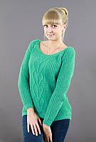 Вязаный свитер с большым вырезом