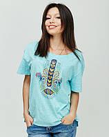 Модная футболка с красивым принтом