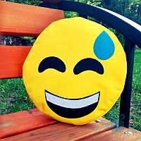 Автомобильная подушка смайлик Emoji Весёлый