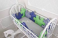 """Комплект бортиков в детскую кроватку + простынь """"Пазлы. Сине-зеленые"""""""