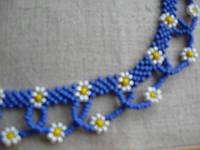 """Ожерелье из бисера """"Голубое с ромашками"""" 38 см"""