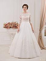 Прекрасное свадебное платье с корсетом из шёлкового гипюра и нежной аппликацией