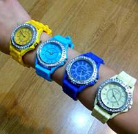 Женские наручные силиконовые часы Geneva с камнями