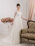 Трогательное свадебное платье с объемным гипюром на корсете украшенным миниатюрными цветами