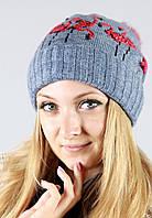 Женская шапочка из вязаного полотна