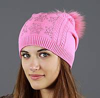 Нежно розовая теплая шапка