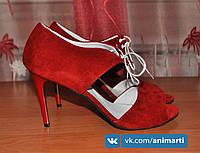 Кожаные босоножки на шнурках