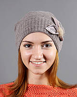 Очень теплая женская шапочка