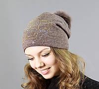 Женская шапка модного цвета