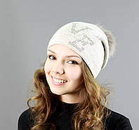 Очаровательная шапка зимняя с помпоном