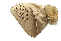 Практична женская шапка
