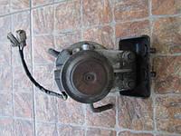 Корпус топливного фильтра с ручным насосом подкачки и подогревом Mazda 626 GD GV 2.0 d 1987 - 1997 гв.