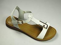 Женские белые кожаные босоножки на низком ходу, разные цвета