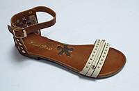 Модные молодежные кожаные босоножки на низком ходу