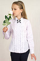 Школьная блуза с жабо и брошью Albero