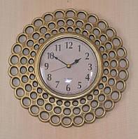 Необычные настенные часы (26х26х4 см.)