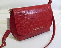 Стильная женская  сумка Michael Kors красного цвета  с элементами крокодиловой кожи