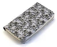 Светло-серый недорогой горизонтальный женский кошелек-клатч с цветочным принтом Б/Н art. 01