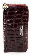 Бордовый лаковый горизонтальный женский кошелек-клатч под крокодиловую кожу на молнииFUERDANNI art. 9001