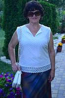 Белая  женская блуза.