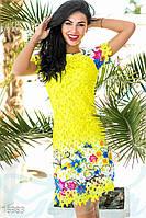 Яркое ажурное женское платье прямого кроя с цветочным принтом рукав короткий гипюр