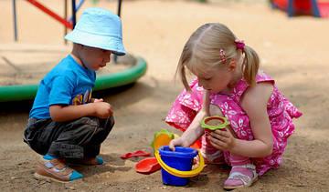 Учимся общению. Игры в песочнице или на детской площадке
