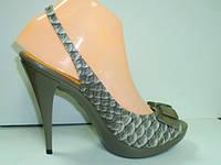 Босоножки женские на каблуке VIA UNO11081601