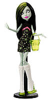 Кукла Monster High Скара Скримс Школьная ярмарка