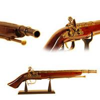 Сувенирный мушкет с зажигалкой