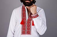 Красивая мужская вышиванка с ярким узором на домотканом льне