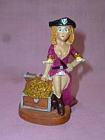 Пиратка декоративная статуэтка 8 сантиметров высота
