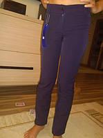 Классические школьные брюки для девочки.